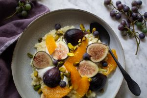 Millet Porridge with Grapes and figs